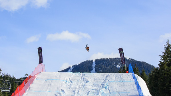 Snowboard Big Air 09-6