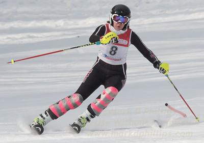 Ali Martin at Bousquet U19 TriState Slalom Qualifier on January 8, 2017