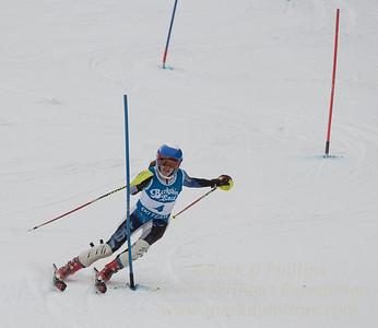 Isabel Kronenberg races at Berkshire East in the U19 Slalom Schaefer Cup