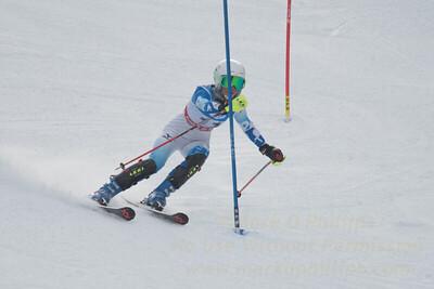 E. Tsukada at the U21 slalom race at Ski Sundown on January 21, 2018.