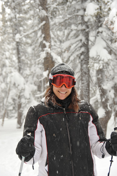 Jessica-20090214-1731-skiing