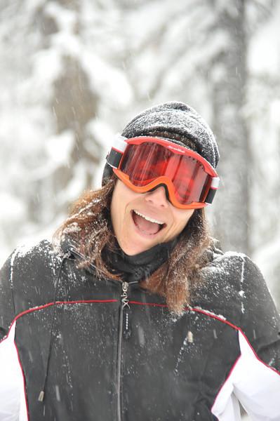 Jessica-20090214-1732-skiing