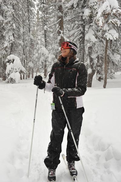 Jessica-20090214-1734-skiing