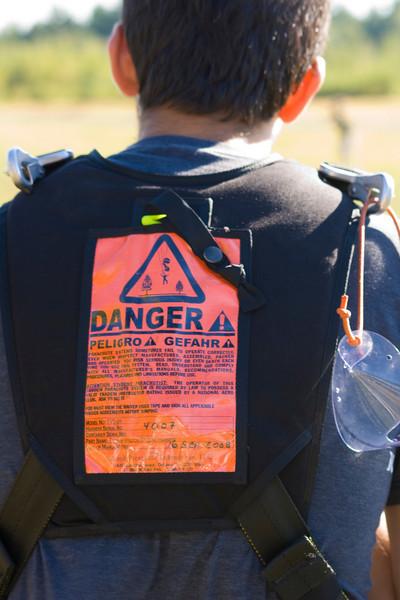 Tandem Sky Diving gear/warning