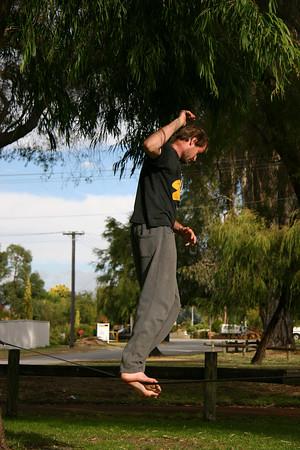 Slack Lining 23-04-2006