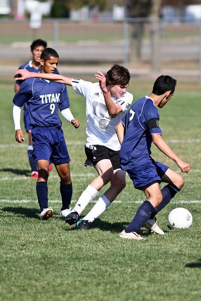 20101016_ivc_vs_monmouth_roseville_varsity_soccer_151