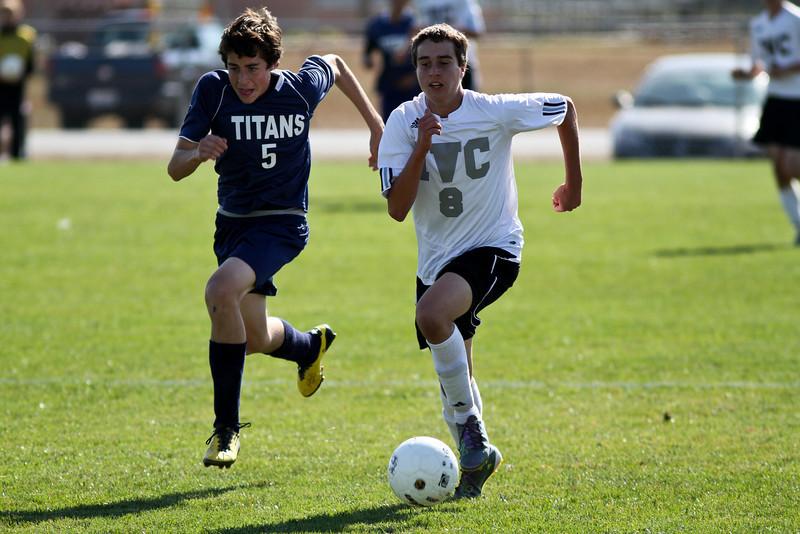 20101016_ivc_vs_monmouth_roseville_varsity_soccer_021