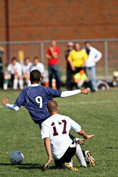 20101016_ivc_vs_monmouth_roseville_varsity_soccer_158