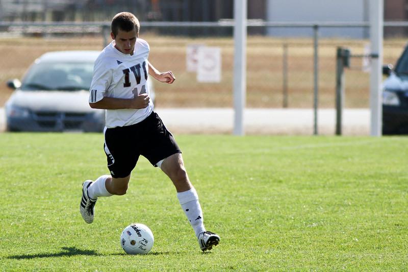 20101016_ivc_vs_monmouth_roseville_varsity_soccer_023