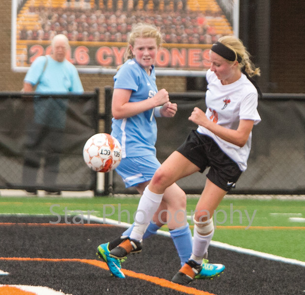Star Photo/Larry N. Souders<br /> Lady Cyclones's (10) shot on goal scores Elizabethton's second goal at the 34 minute mark of the first half.