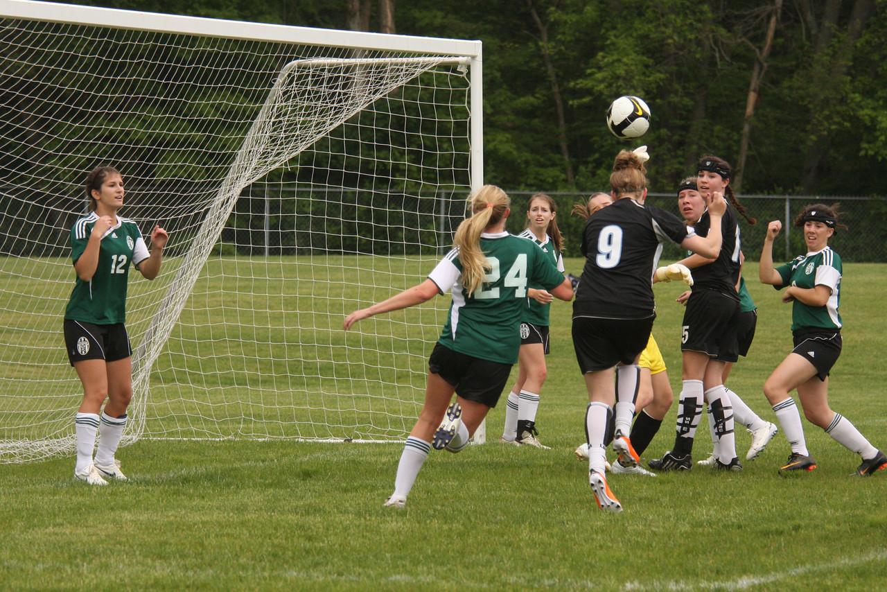 IMG4_18209 corner kick goal COE Soccer