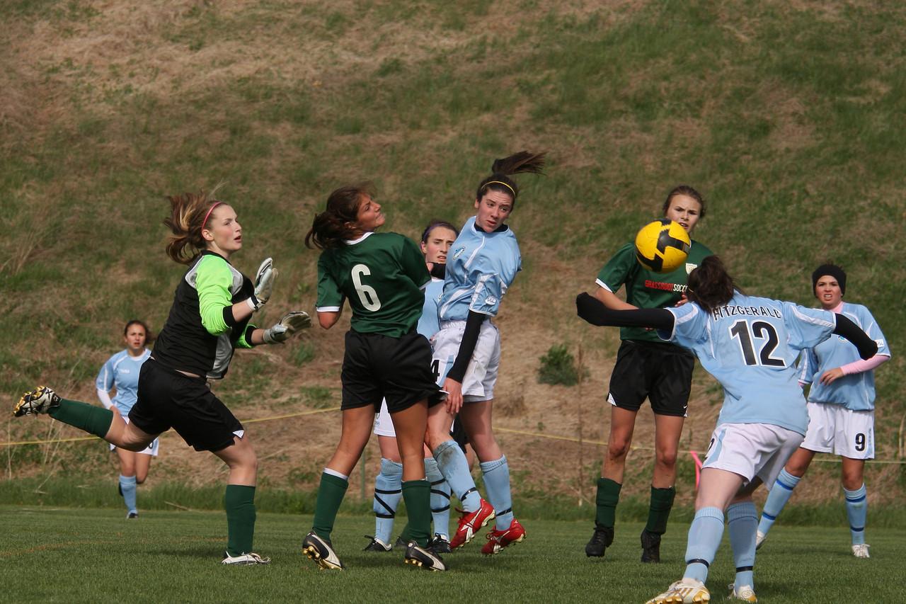 IMG4_11439 Alanna goal COE Soccer trmzb