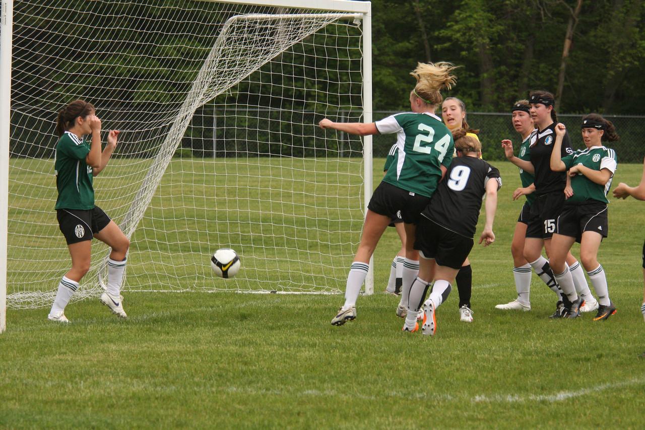 IMG4_18210 corner kick goal COE Soccer
