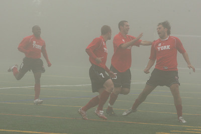 6J0E0145 copy Celebrating Ruscetta's goal    in the fog