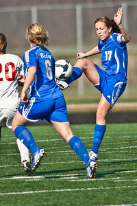 Bexley High Schools #17 Kendra Wilson controls the ball as she moves down field against Middletown Bishop Fenwick High School in the OHSAA Girls Division II Regional Final Soccer Tournament held Saturday afternoon November 7, 2009 at the Hilliard Bradley HIgh School. Bexley won 2-0. (Photo by James D. DeCamp 614-462-8027)