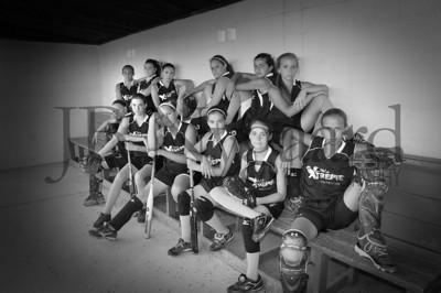 2013 Girls softball travel team-9bw