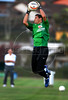 Brazilian soccer team goalkeeper Julio Cesar take a ball during a training session in Teresopolis, Brazil,  Oct. 12, 2007. Next Oct. 14 Brazil will face Colombia in a World Cup 2010 qualifying match in Bogota.   (FOTO:RENZO GOSTOLI/AUSTRAL FOTO)