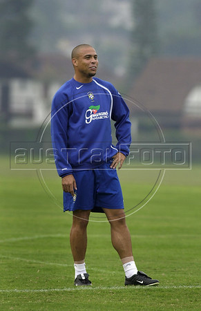 Brazilian soccer star Ronaldo, who plays in Real Madrid team trains in Teresopolis for the World Cup qualifier match against Bolivia,Rio de Janeiro, Brazil, September 03, 2004. (Austral Foto/Renzo Gostoli)