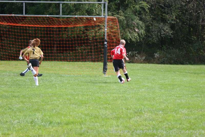 Warriors soccer lawson vs smithville 092405 043
