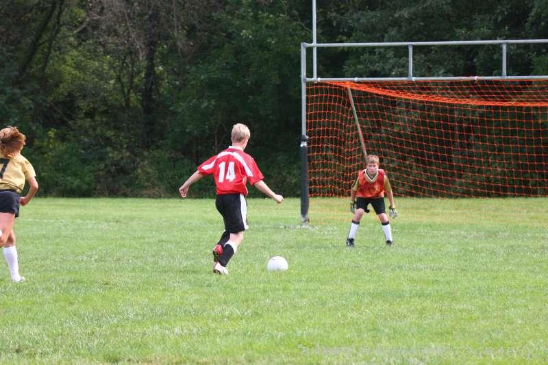 Warriors soccer lawson vs smithville 092405 050