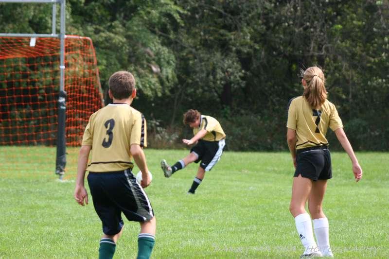 Warriors soccer lawson vs smithville 092405 057