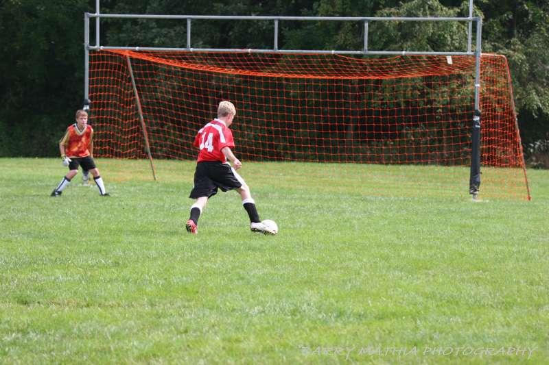 Warriors soccer lawson vs smithville 092405 039