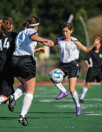 Menlo Park United vs. Mountain View #2 AYSO GU19.2012-10-07