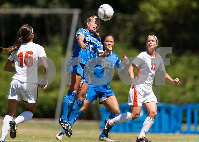 57Illinois soccer 12
