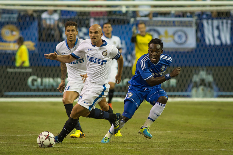 Cambiasso advances past Essien