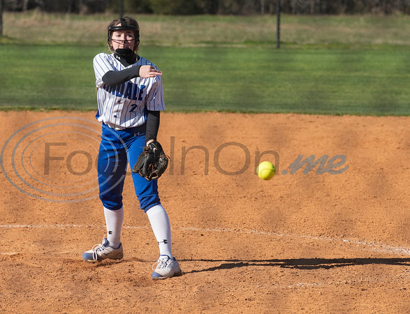 Lindale's Bailey Brown pitches during their softball game against Malakoff at Schwab Field in Bullard on Friday, Feb. 21, 2020.