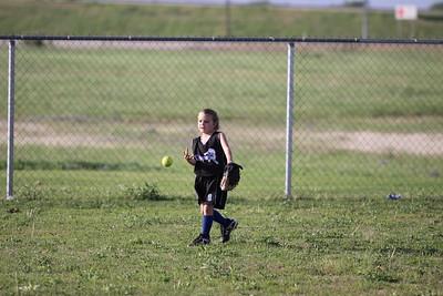 softball golden s09 004