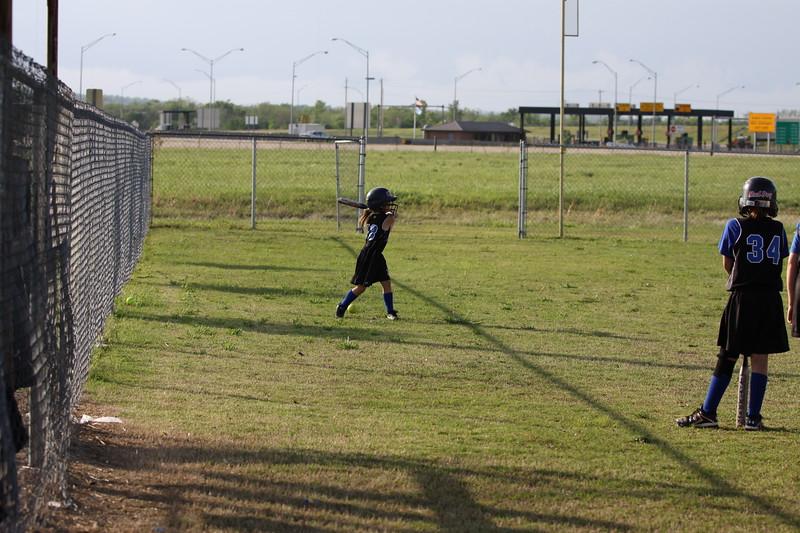 softball golden s09 001