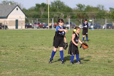 softball golden s09 023