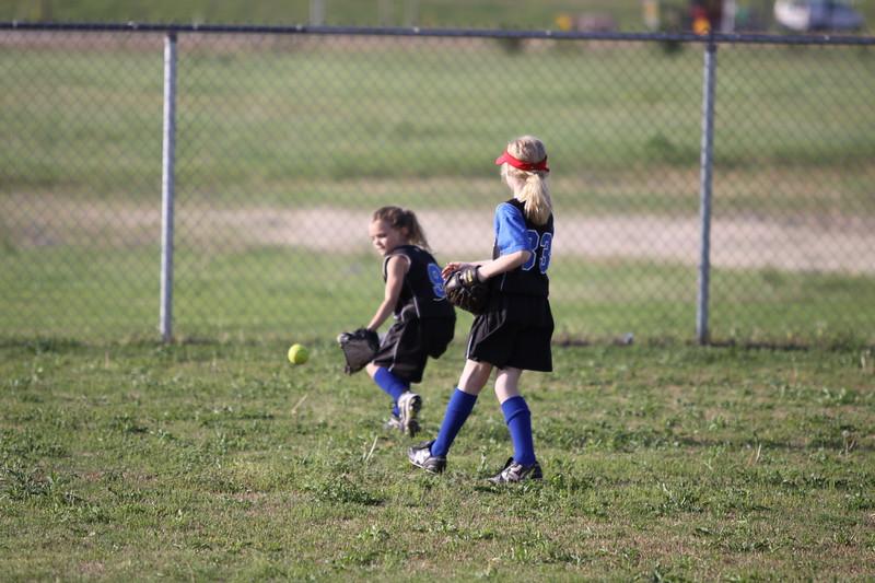 softball golden s09 003