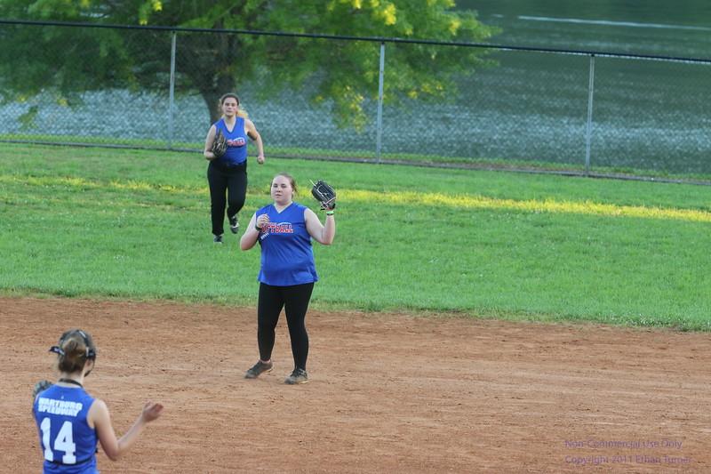 2017-05-09_softball_450