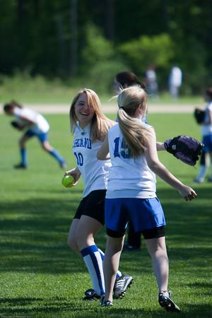 AMS-Softball-Hop-2