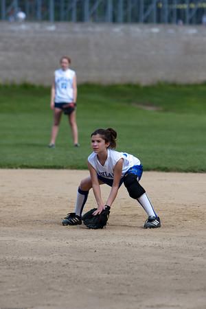 AMS-Softball-Hop-42