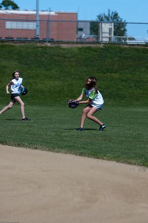 AMS-Softball-Hop-4