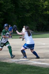 AMS-Softball-Hop-24