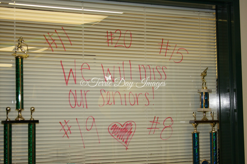 Tribute_img_0997_SeniorNight_2013
