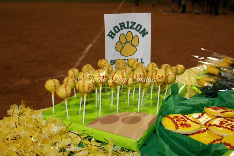 CakePops_img_1048_SeniorNight_2013