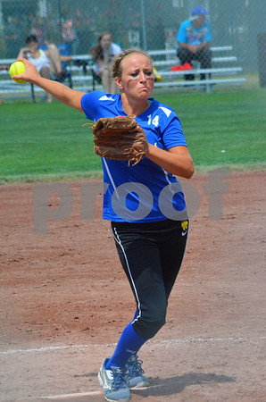 -Messenger photo by Britt Kudla<br /> Paige Compton of Durant pitches against Ridge View during Thursday's 1A Semifinals game at Roger Park