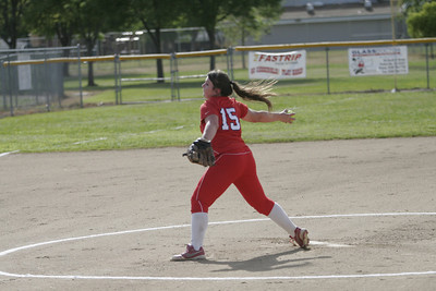 Lindsay Cardinal pitcher Kassidy Kendig (15) pitching against Strathmore on April 4, 2013.