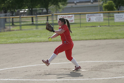 Lindsay Cardinal softball pitcher Kassidy Kendig (15) pitching against Strathmore on April 4, 2013.