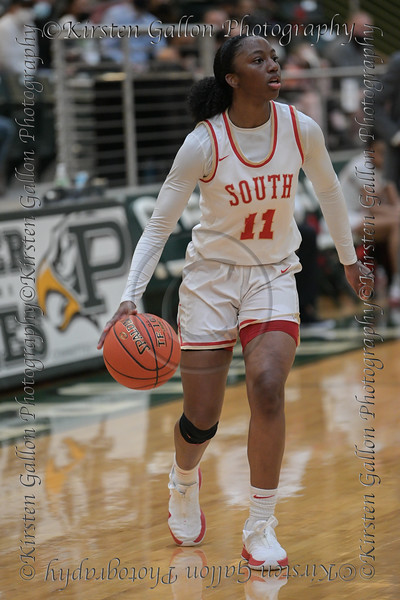 #11 SGP guard Jahcelyn Hartfield evaluates the situation before setting up a play. <br /> South Grand Prairie High girls basketball takes on DeSoto High girls basketball team in the Texas State 6A semi-finals.