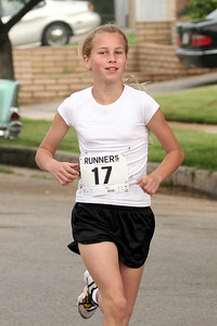 Many current and former Southern California Road Runners youth distance team ran in this Redlands, CA 5K in May 2006.