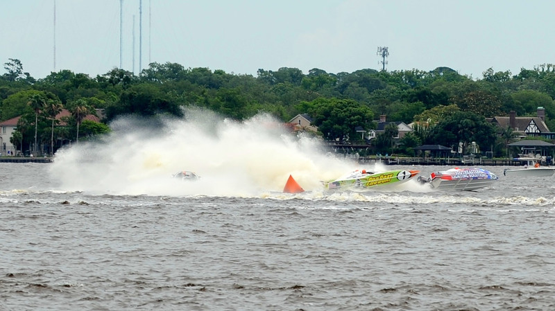 Speedboat race in Jacksonville, FL, by John Shippee Photography.