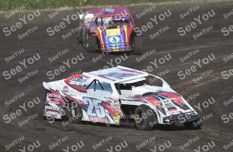 -Messenger photo by Britt Kudla<br /> Justin Patterson of Sports Mods compete during hot laps on Sunday