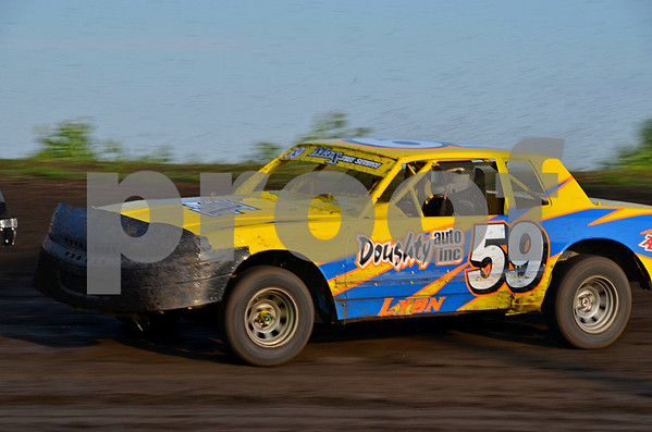 -Messenger photo by Britt Kudla<br /> Jeff Lyon of Duncombe competes in the Hobby Stock race at The Mineral City Speedway on Sunday night
