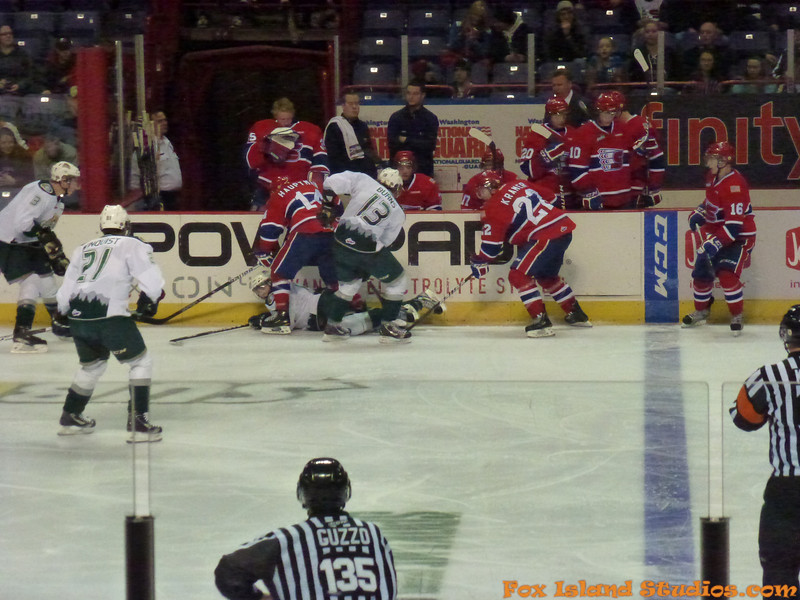 Spokane Chiefs Hockey courtesy of Gary Petersen w Bill Reynolds-049
